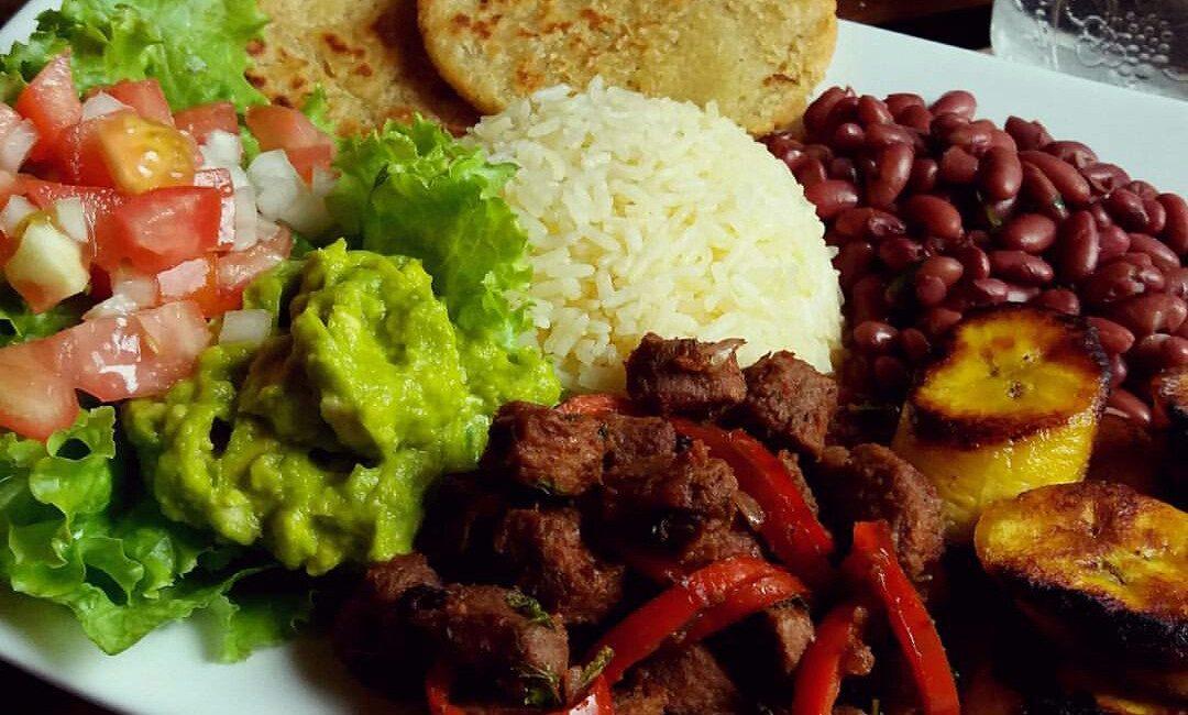 Casado comida Costarricense